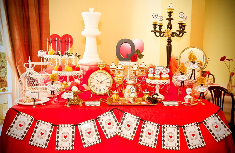 Queen Party Theme Queen Of Hearts Party For A Couples Engagment Party - Party Decor Inspirations