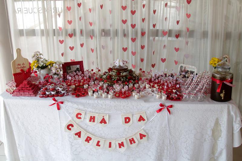 04-mesa-de-doces-tema-vermelho-branco