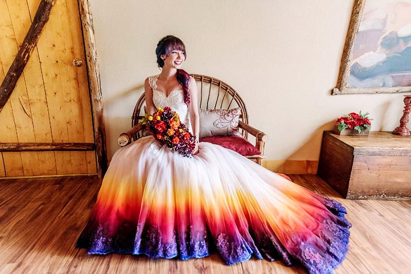 03-vestido-de-casamento-efeito-dye-dip-degrade-cor-vibrante