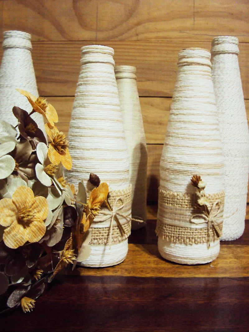 garrafas-decoradas-com-barbante-juta-lembrancinha-cha-de-panela-casamento