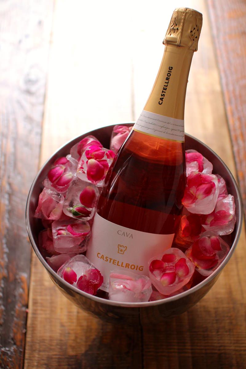 gelo-decorado-com-flores-para-champanheira-cha-bar-festa-de-noivado
