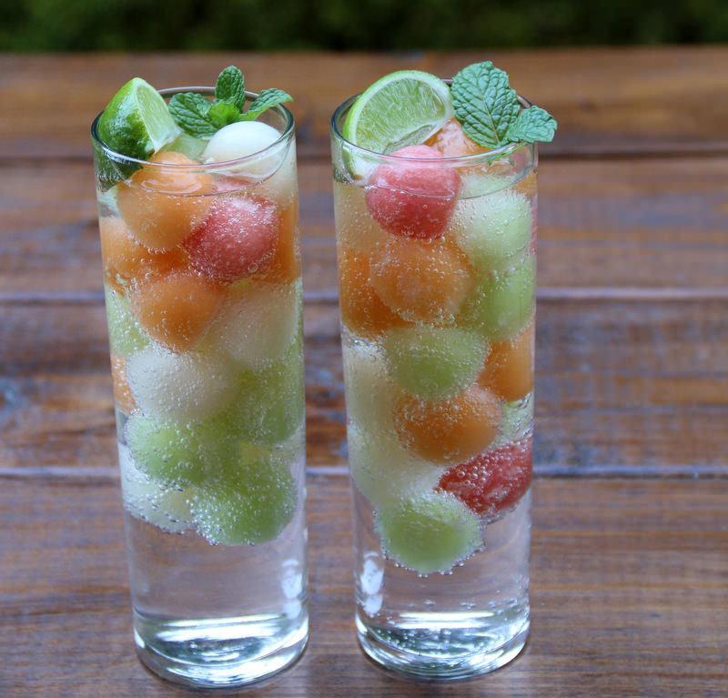 drink-com-frutas-para-festa-de-noivado-cha-bar