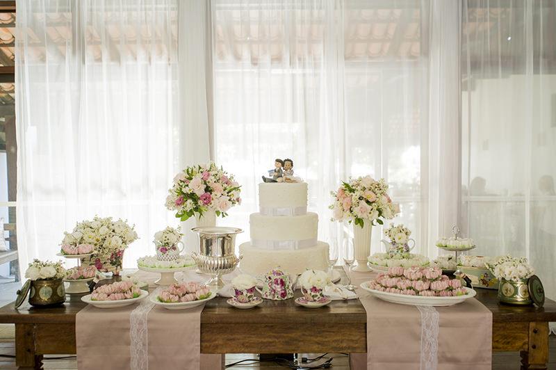 18 mesas de bolo de casamento para voc u00ea se inspirar eNoivado -> Decoração De Mesa De Casamento Barato