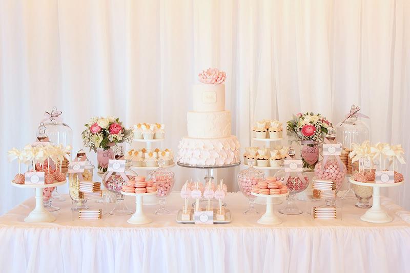 18 mesas de bolo de casamento para voc u00ea se inspirar eNoivado -> Decoração De Mesa De Bolo Casamento Simples