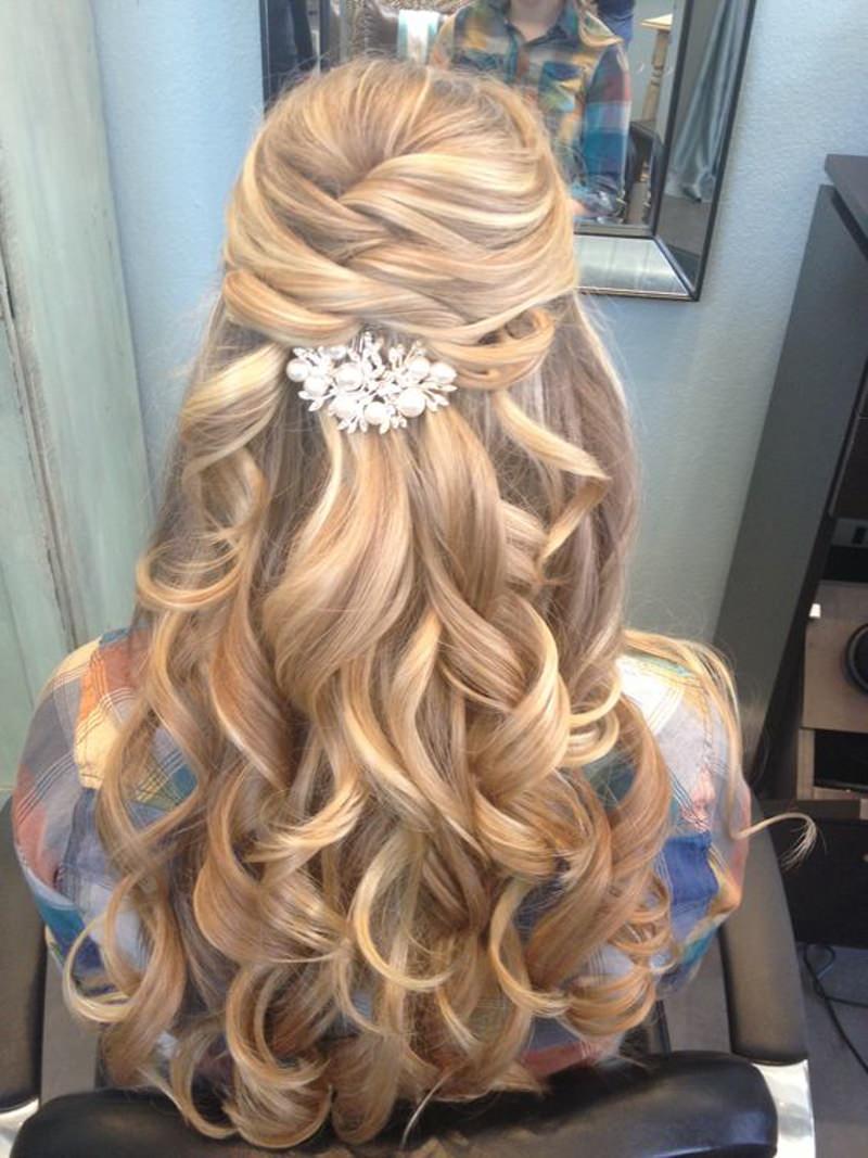 inspiracao-de-penteados-semi-preso-para-casamento-19