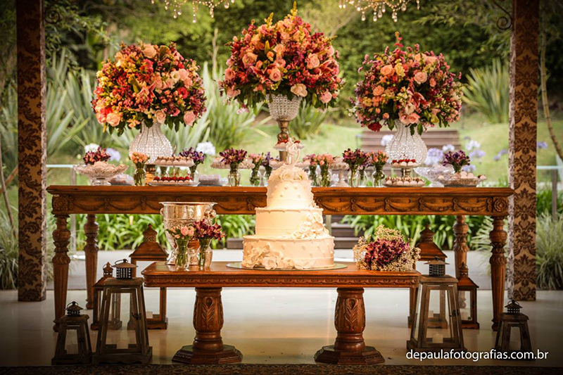 casamento Mesa de bolo e doces