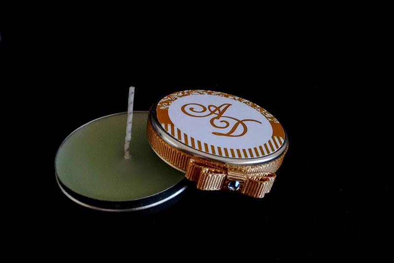 lembrancinha-de-noivado-vela-aromatica-artesanal-vela-na-latinha