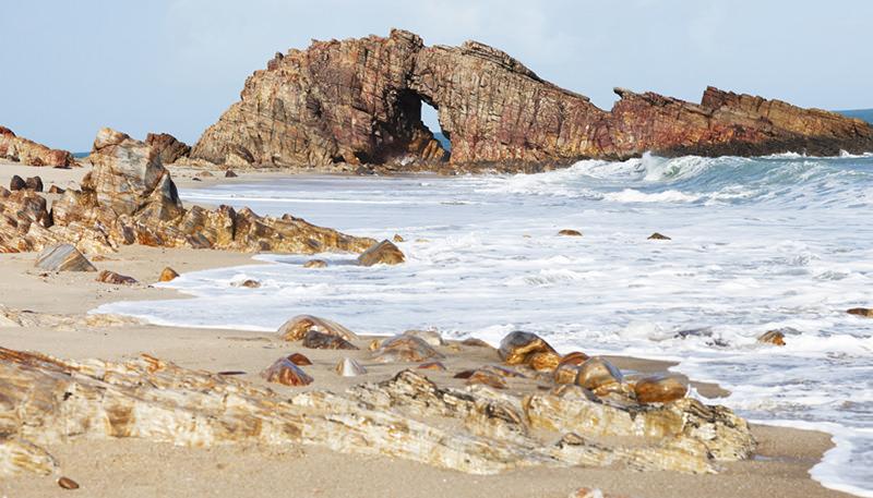 lua-de-mel-no-brasil-jericoacoara-pedra-furada