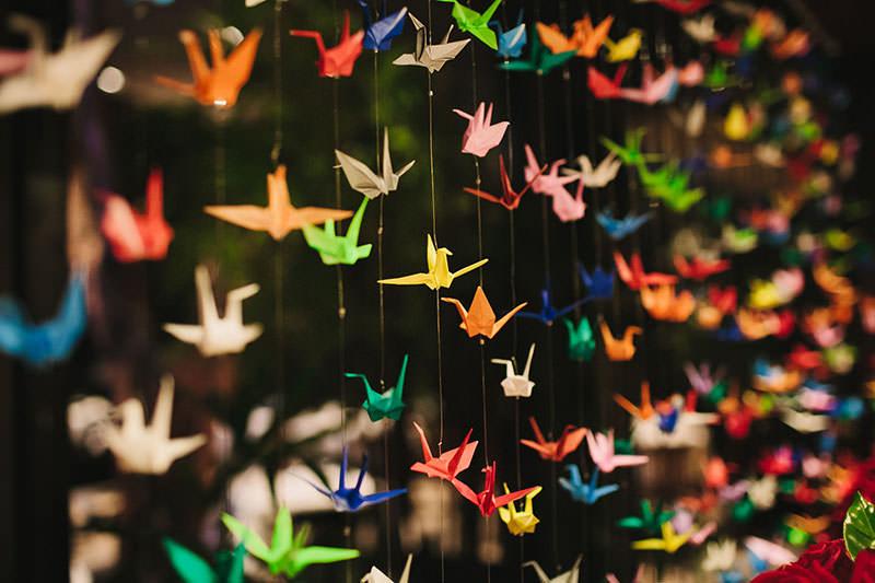 decoracao-de-casamento-com-origami-tsuru-colorido-26
