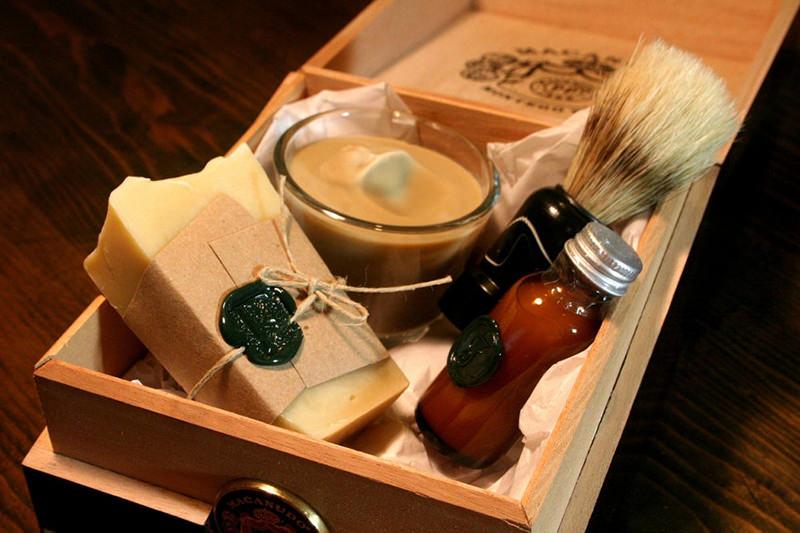tutorial-caixa-decorada-para-lembrancinha-dos-padrinhos-inspiracao-presente-kit-de-barbear