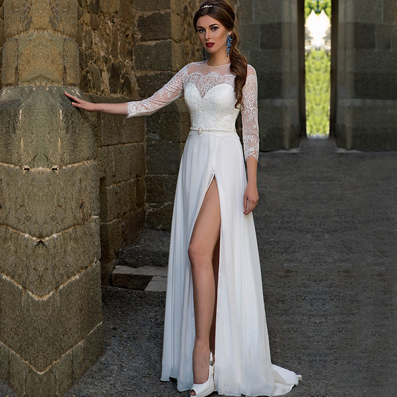 vestidos-de-noiva-simples-com-fenda-e-manga-rendada-para-você-se-inspirar-32