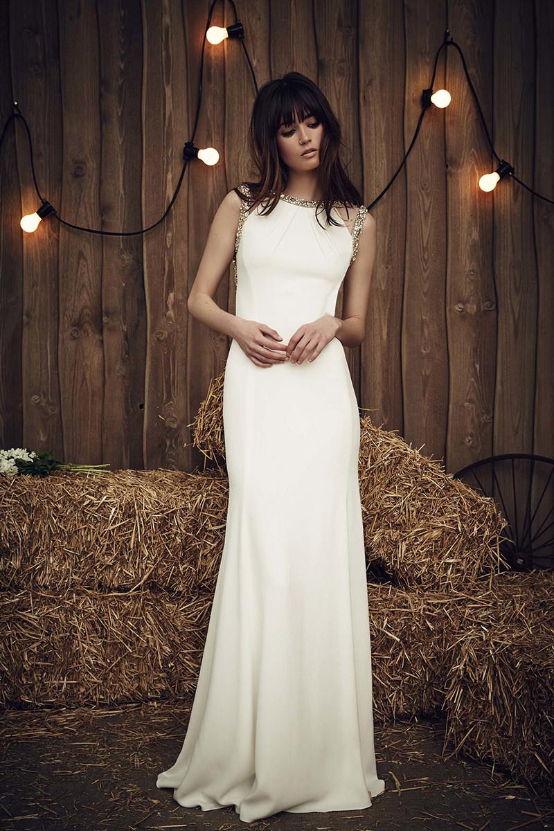 vestidos-de-noiva-simples-liso-sem-detalhes-2