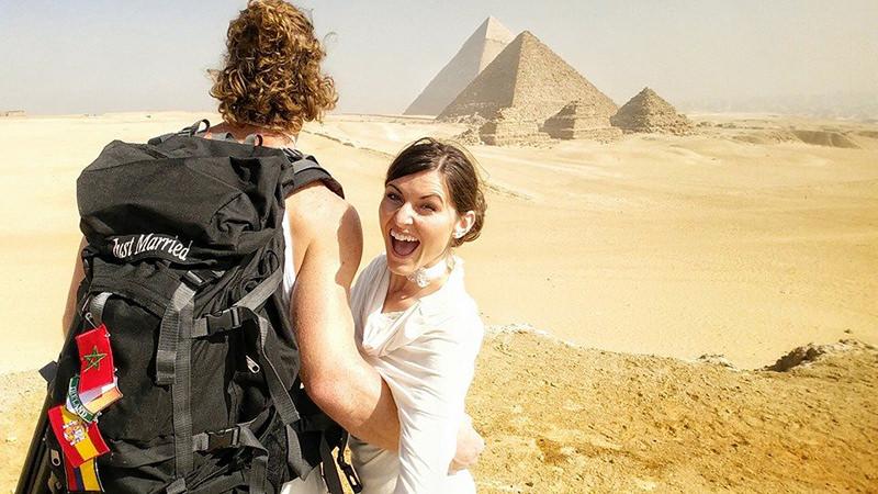 Noivos-se-casam-38-vezes-em-12-países-diferentes-egito-9
