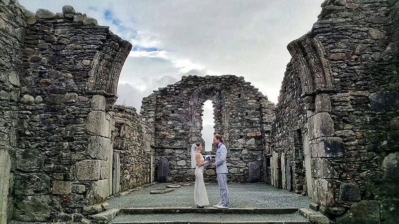 Noivos-se-casam-38-vezes-em-12-países-diferentes-irlanda-1