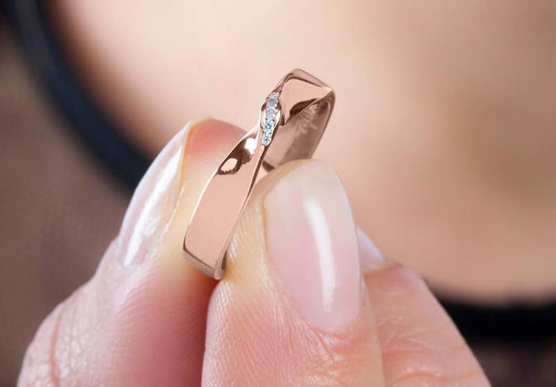 alianca-com-diamantes-casamento-ouro-rose