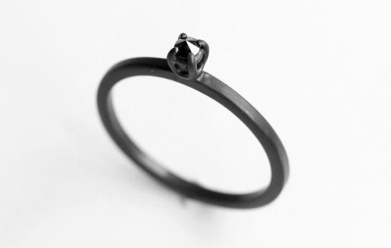 anel-de-noivado-peculiar
