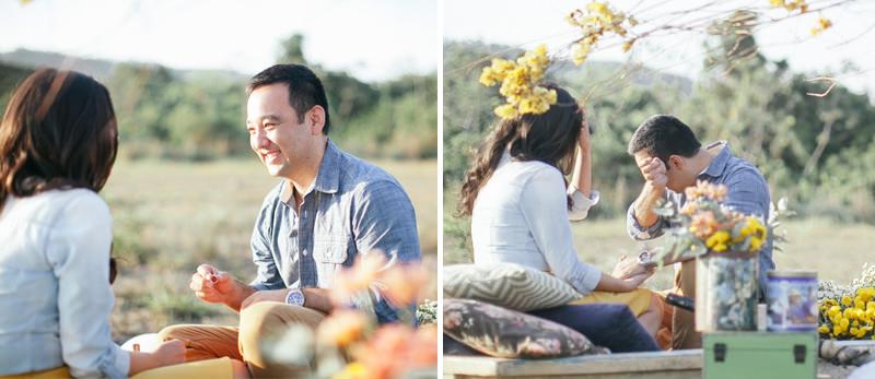 pedido-de-noivado-no-campo-noivo-emocionado