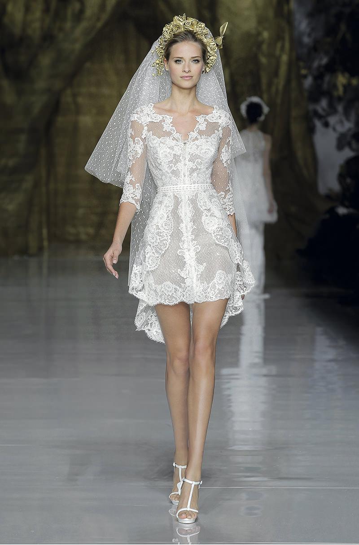 lindo-vestido-de-noiva-curto-para-baixinhas