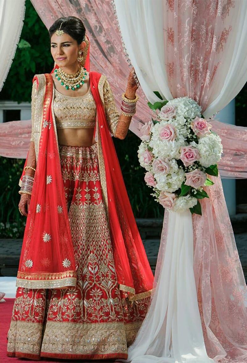 saree-indiano-vermelho-com-estampas-para-noiva