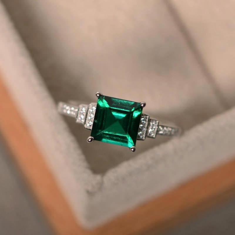 anel-de-noivado-deslumbrante-brilhantes-esmeralda-quadrada