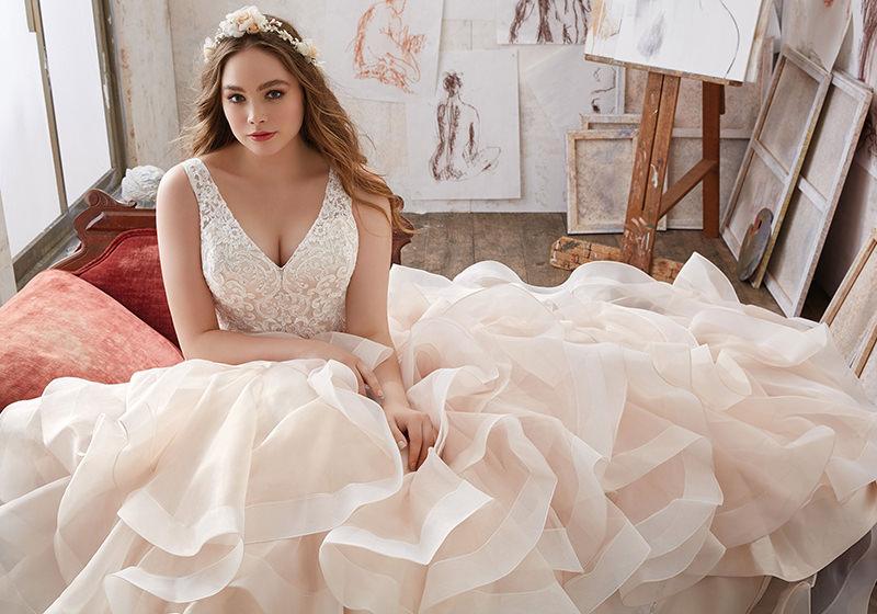 vestido-de-noiva-decote-v-babados-Mori-Lee– Julietta-Collection
