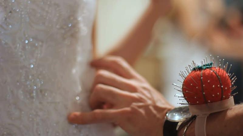 19-ajustes-no-vestido-de-noiva
