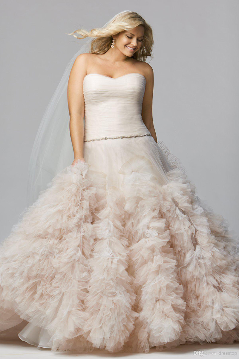 vestido-de-noiva-volume-na-barra-Wtoo