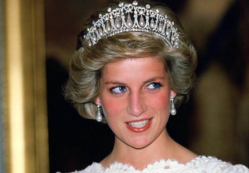 Tiara-de-perolas-princesa-Diana