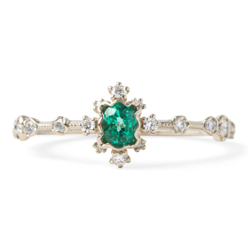 anel-de-noivado-delicado-esmeralda