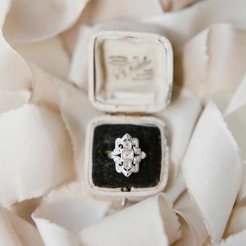 anel-de-noivado-rue-desiene-ouro-branco