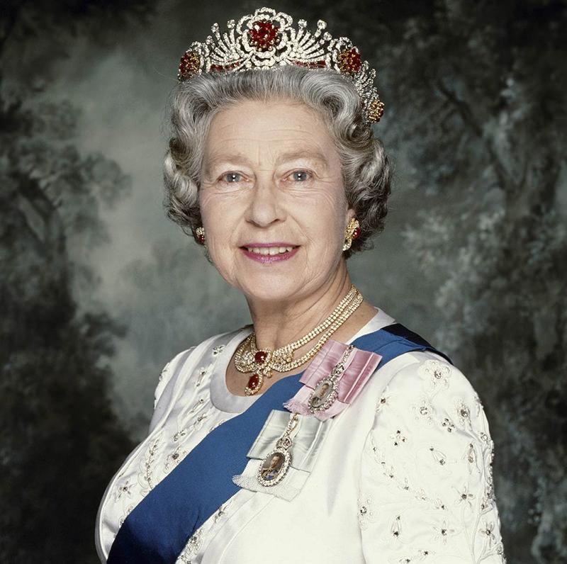 tiara-da-rainha-elizabeth-rubis