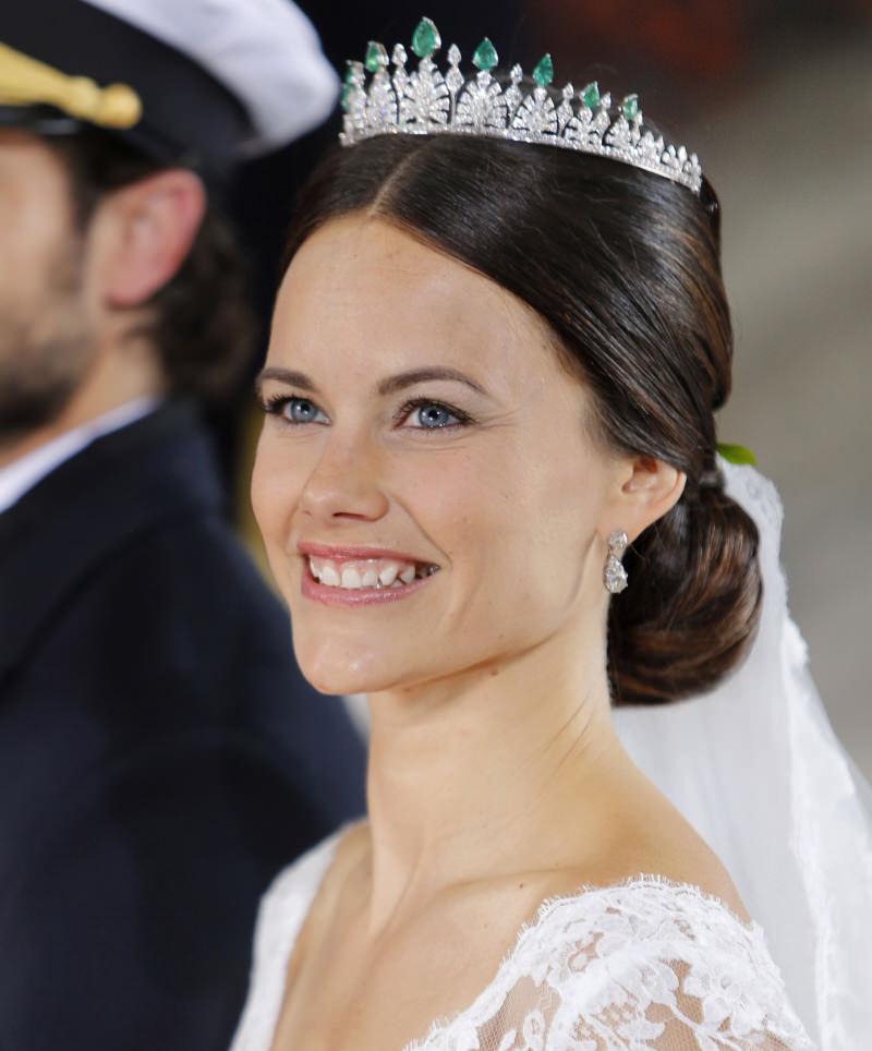 tiara-de-diamantes-e-esmeraldas-princesa-sofia-da-suecia