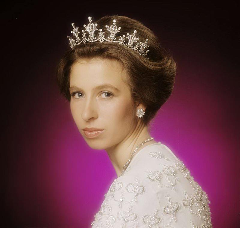 tiara-princesa-Anne-Elizabeth
