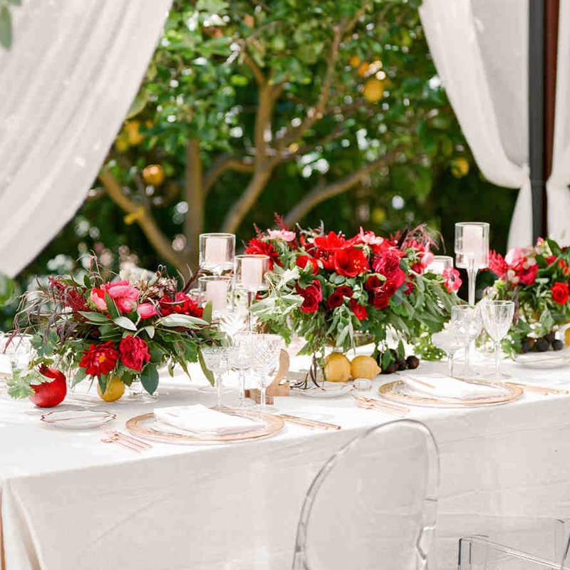 casamento-centro-de-mesa-com-flores-vermelhas