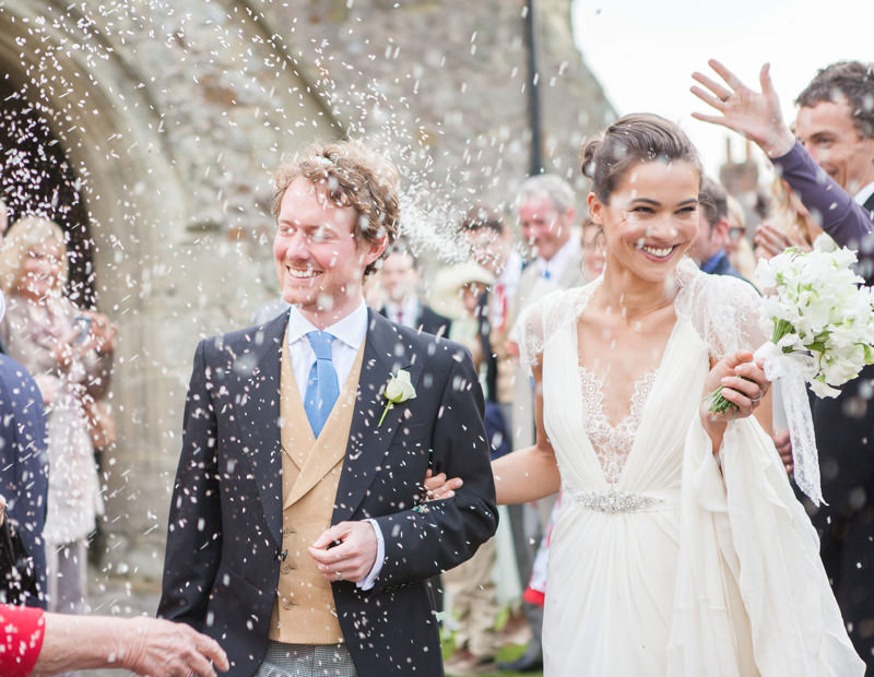 enoivado-chuva-de-arroz-no-casamento