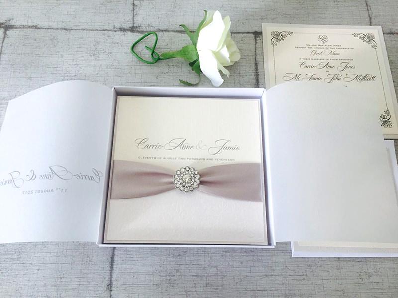 12-caixa-decorada-para-convite-de-casamento