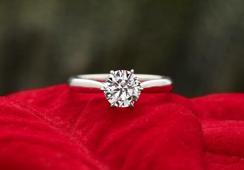 anel-de-casamento-solitario-ouro-branco