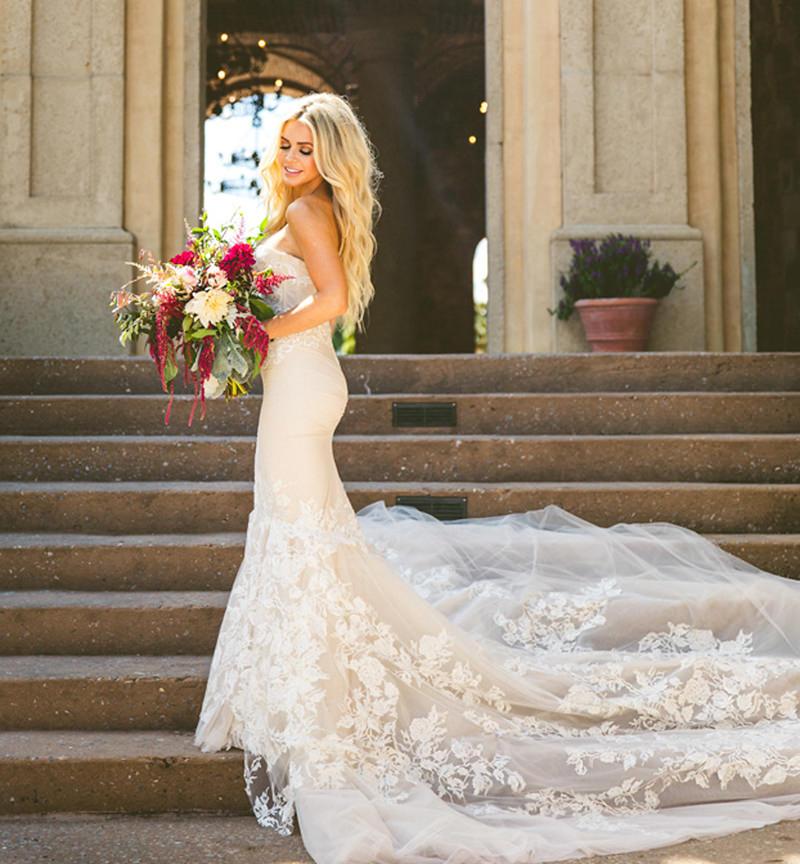 vestido-de-noiva-com-cauda