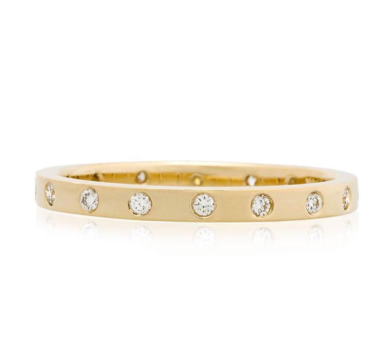 06-alianca-de-casamento-ouro-amarelo-com-diamantes-pequenos