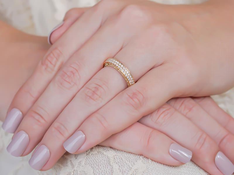 11-alianca-de-casamento-ouro-18k-e-diamantes