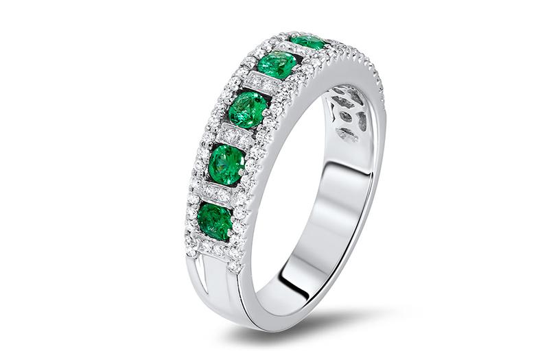 alianca-de-compromisso-noivado-com-esmeraldas-e-diamantes-em-ouro-branco