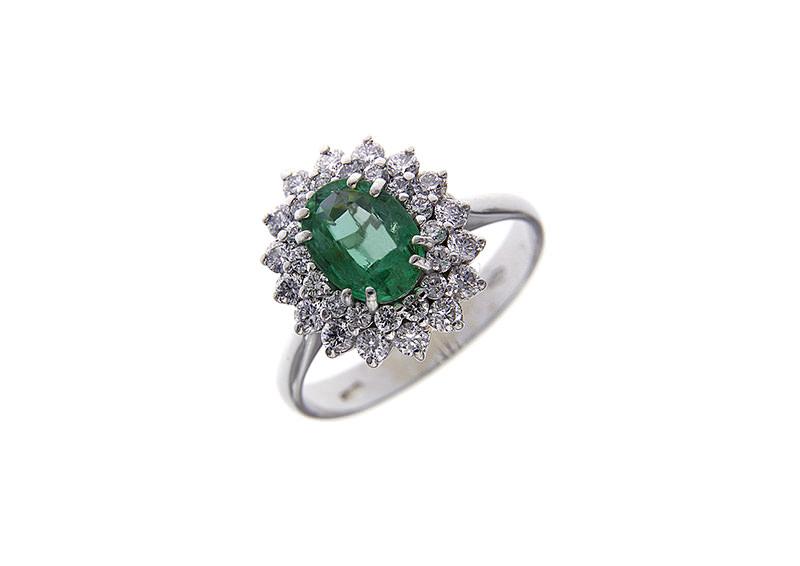 alianca-de-noivado-com-esmeralda-e-diamantes-em-ouro-branco