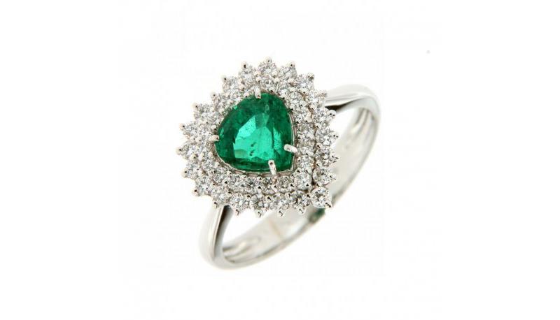 alianca-de-noivado-com-esmeralda-em-formato-de-coracao-e-diamantes-ouro-branco