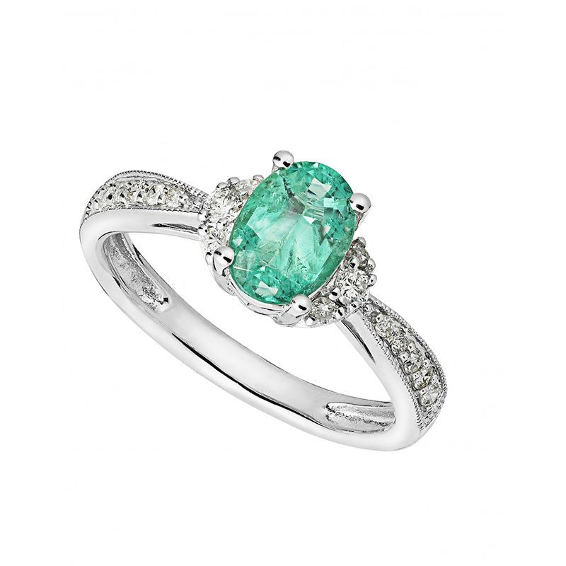 alianca-de-noivado-com-esmeralda-oval-e-diamantes-ouro-branco