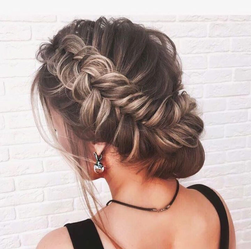 cabelo-preso-com-trancas-para-noivas-29