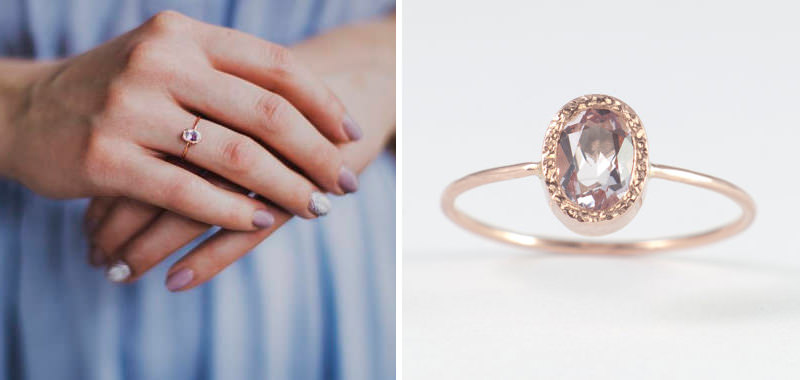 01-anel-de-noivado-delicado-na-mao