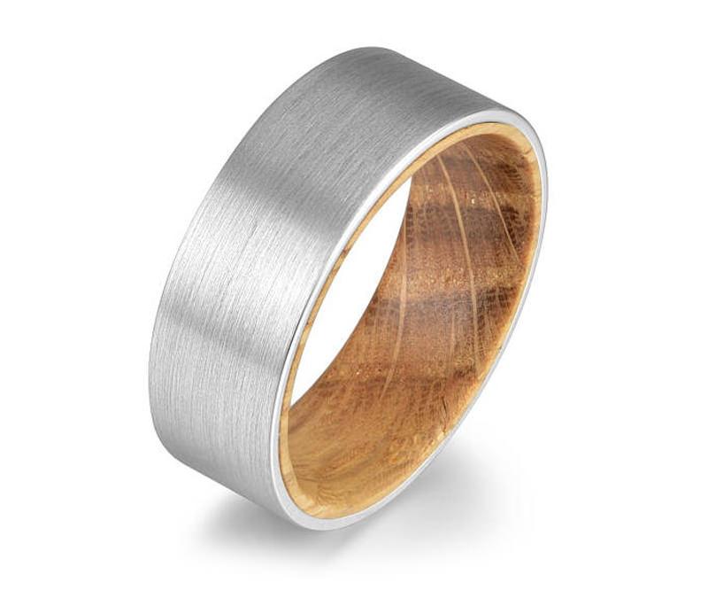 aliança-masculina-de-madeira-e-tungstênio
