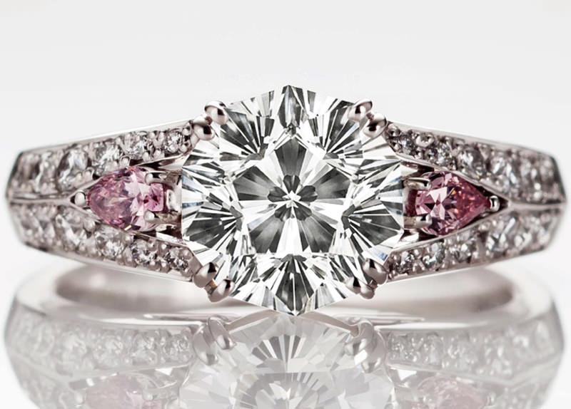 anel-com-diamante-em-formato-de-flor-de-cerejeira