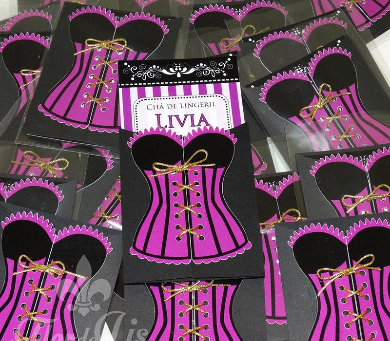 convite-corselet-cha-de-lingerie-cha-de-lingerie-ajuda-das-madrinhas-6-maneiras-das-madrinhas-de-casamento-ajudarem-a-noiva-a-ficar-mais-calma