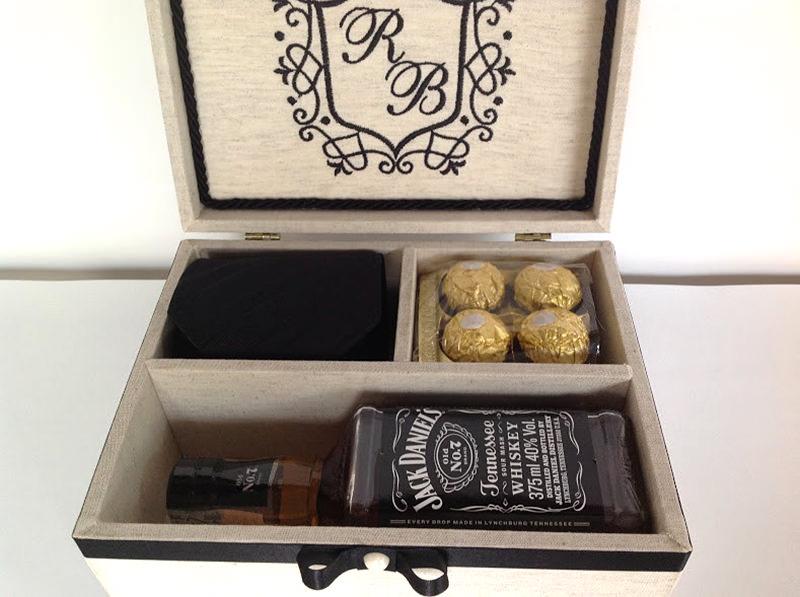 13-caixa-para-padrinho-com-whiskey-gravata